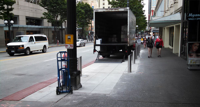 A flexible loading zone installed on the southbound side of Third Avenue.